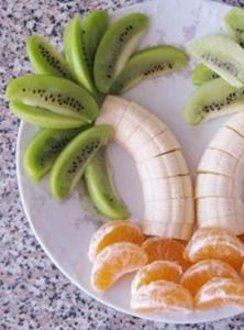 Palm Tree Snack. Fruit never looked so fun!