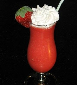 Ingredients  6 oz. Rum (clear) 2 oz. Strawberry Pucker 1.5 cups Master of Mixes Strawberry Daiquiri Mix