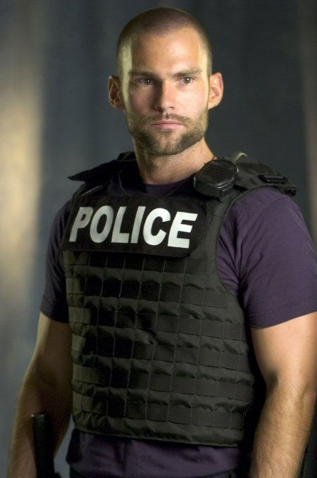 Sean William Scott - looks like this AND makes you laugh?? Wow.....still can't help but think of him as Stifler!!