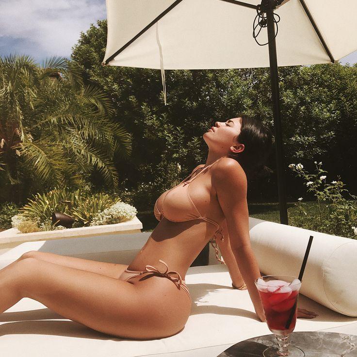 Kylie Jenner faz 20 anos e é cara, corpo, alma e um escândalo da riqueza - 10/08/2017 - UOL Estilo de vida