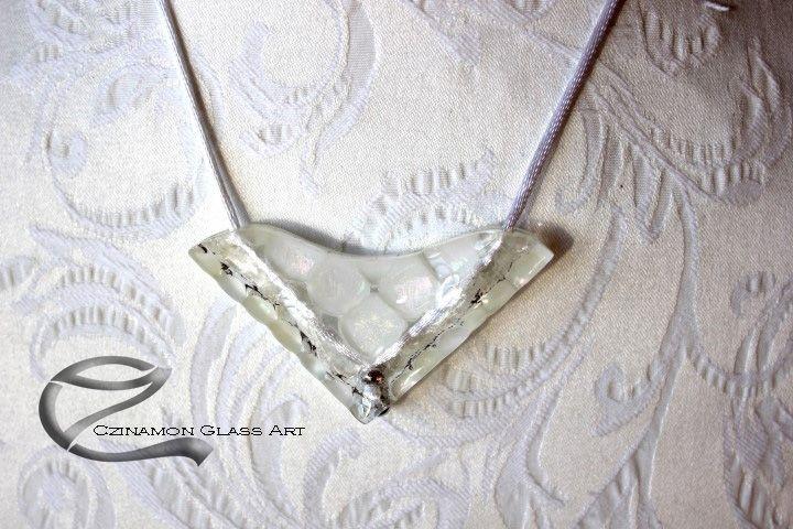 Fehér üveg medál, különleges forma, egyedi különleges stílus