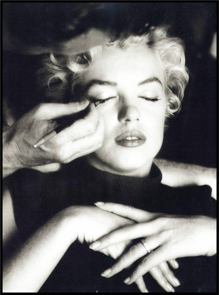 Makeup & Marilyn... beautiful!