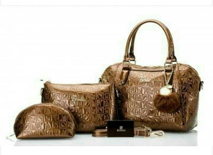 IDR 420k Bahan glossy, semipremium Black, blue, bronze, pink, white, wine Dustbag, gantungan, set dompet, tali panjang, sertifikat