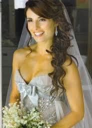 pretty bridal hair: Hair Ideas, Side Curls, Hairstyles, Stuff, Weddings, Wedding Hairs, Bridal Hair, Wedding Hair Side, Long Curly Hair