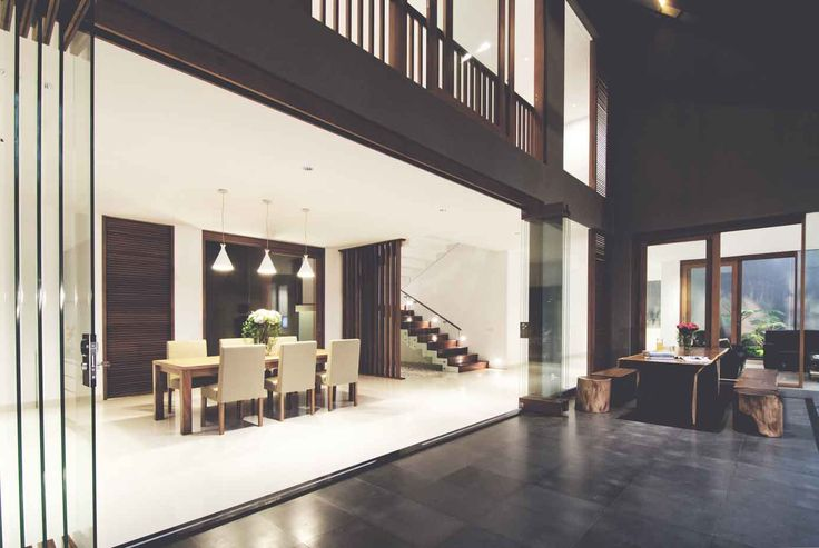 Project : Katjapiring House Image 2 Location : Bandung, Indonesia Site Area : 670 m2 Building Area : 550 m2 Design Phase : 2009 Construction Phase : 2009 - 2011 #architectindonesia #architecture #archdaily