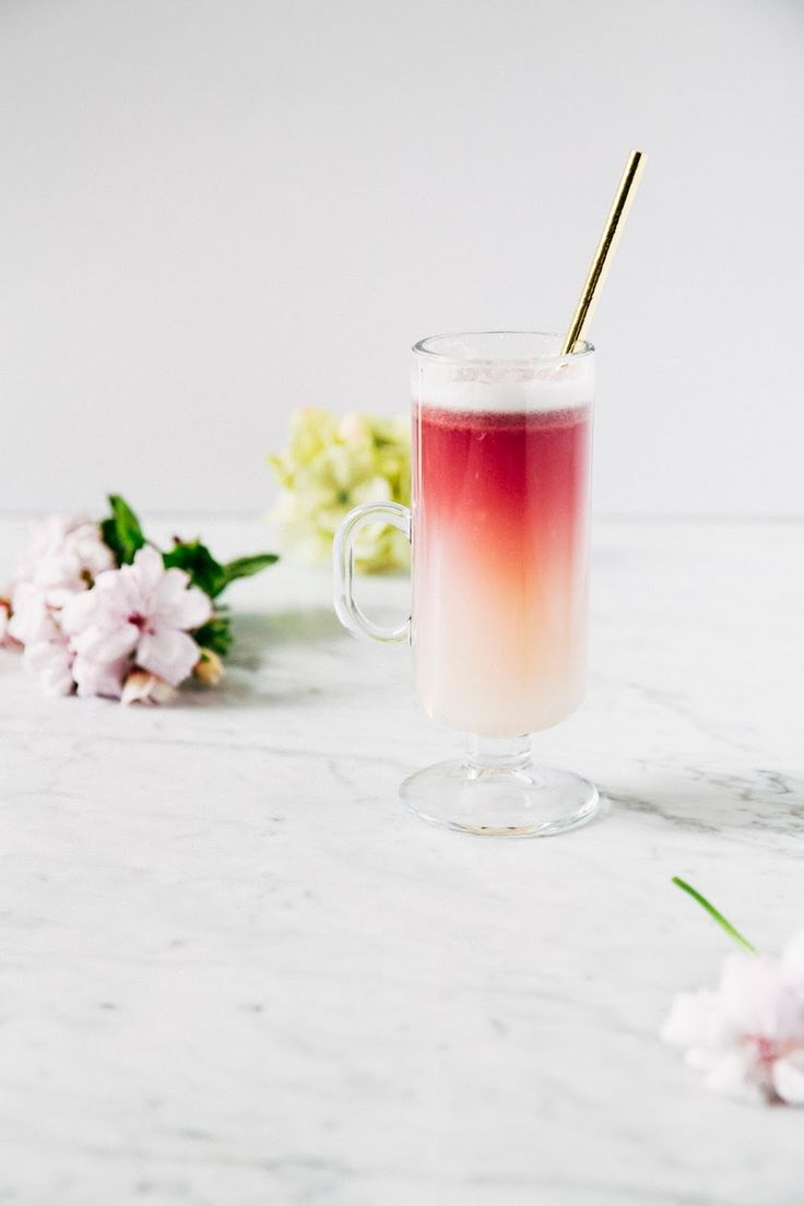 Red Wine Gin Sour by hummingbirdhigh #Cocktail #Gin_Sour #Wine