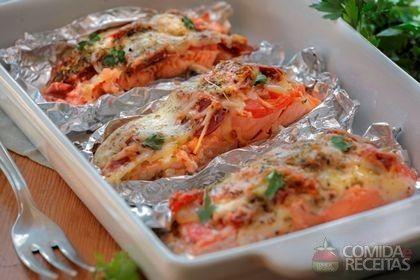Receita de Salmão no papelote em receitas de peixes, veja essa e outras receitas aqui!