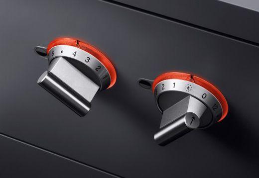 Gaggenau Vario Series VG441 2 controls?