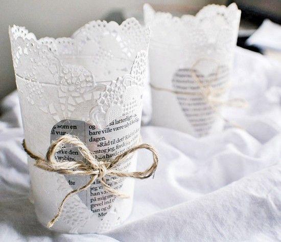 Papieren servetjes om glas