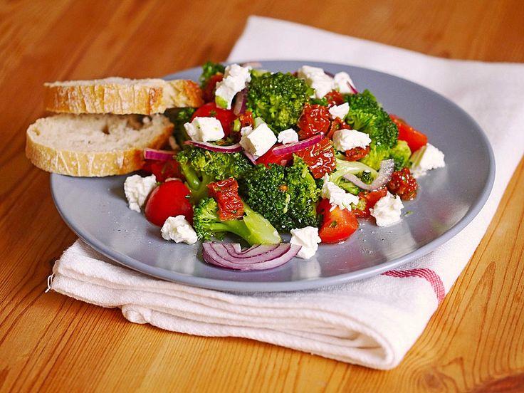Mediterraner Brokkoli Salat, ein beliebtes Rezept aus der Kategorie Gemüse. Bewertungen: 302. Durchschnitt: Ø 4,5.