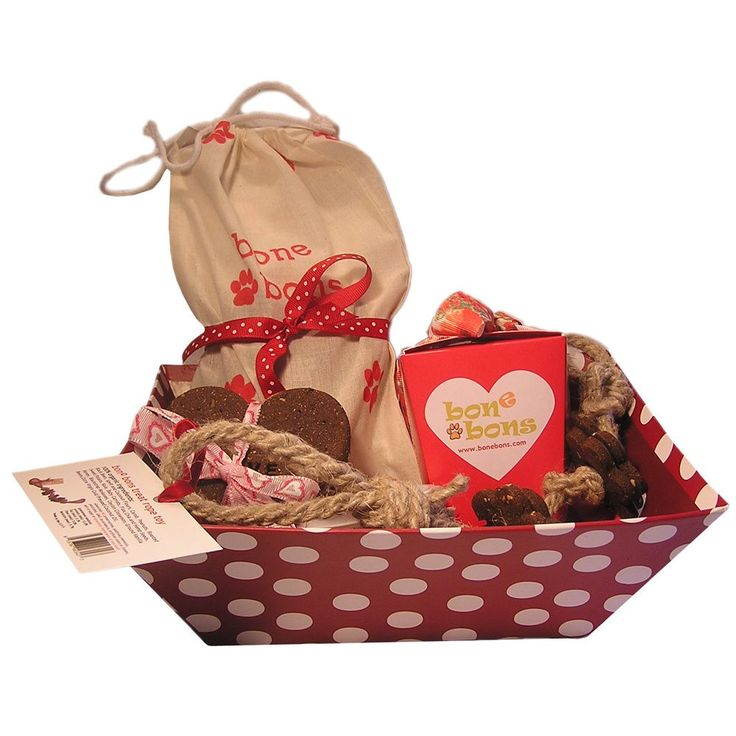 Organic Dog Treat Gift Basket - Overstock Shopping - The Best Prices on Food & Treats. Great Valentines Gift!!