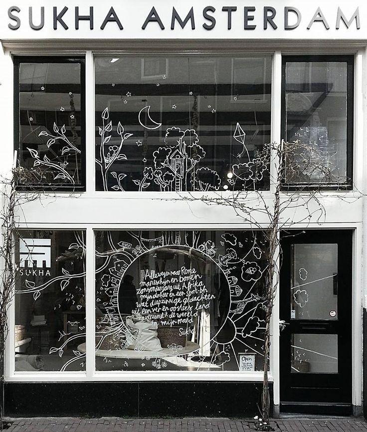 Sukha Amsterdam window; verzameling van Atelier Sukha producten