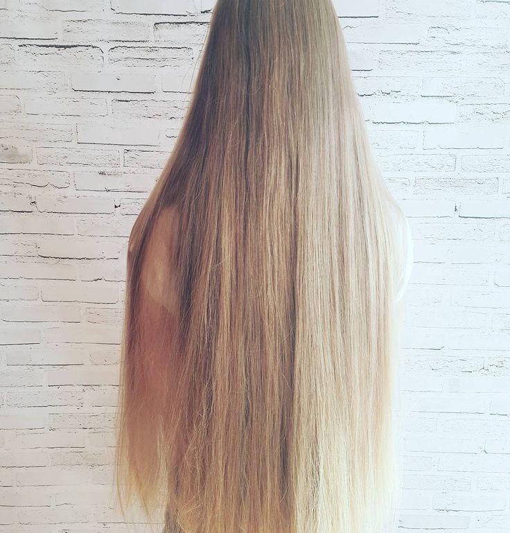 Czy Wy to widzicie??  rany co za wlosy! mega długie mega grube naturalne... ale będą fryzury!   #wlosy #dlugiewlosy #blondynka #dziewczyna #blogowlosach #bedzieczesanie #fryzury #krokpokroku #wlosomaniaczka #pieknewlosy #uwielbiam #hair #hairart #hairstyle #lovehair  #hairfashion #polishgirl #longhair #blondehair #hairstyles #hairblog #hairblogger #hairstylist #hairstylistlife #instahair