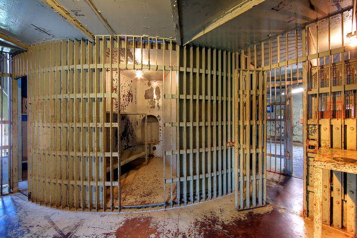 Squirrel Cage Jail In Council Bluffs Iowa Martin Konopacki In 2020 Haunted Prison Jail Council Bluffs Iowa