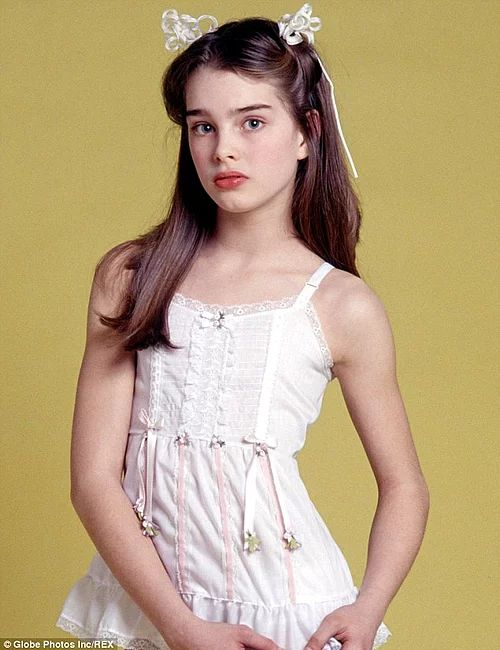 17 Famous Supermodels In Their Childhood And Now!