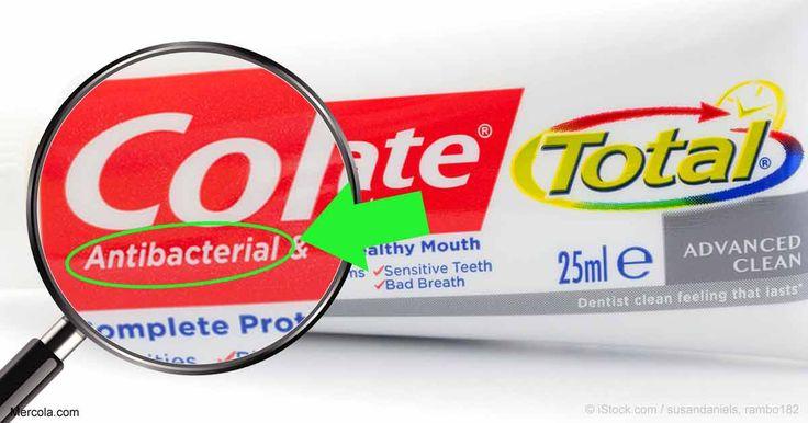 La FDA ha prohibido una sustancia química antibacterial en el jabón de manos, que Colgate sigue utilizando en su pasta dental; la cual se relaciona con la disrupción endocrina. http://articulos.mercola.com/sitios/articulos/archivo/2017/06/21/triclosan-en-pasta-de-dientes-y-jabon.aspx