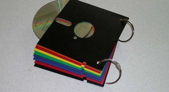 How to make a retro CD wallet form old floppy disc | Hometone