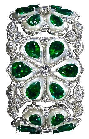 Emerald & Diamond ✿⊱╮                                                                                                                                                                                 Más
