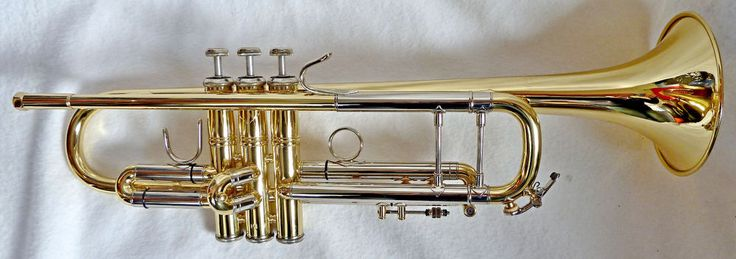 Bb Trompete Trumpet  Fabrikat: BACH,  Modell: Stradivarius 37 medium large