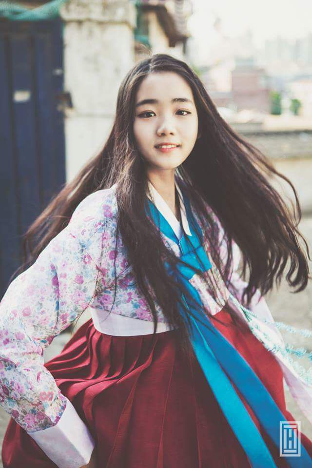 한복 Hanbok : Korean traditional clothes[dress]  | #ModernHanbok                                                                                                                                                      もっと見る