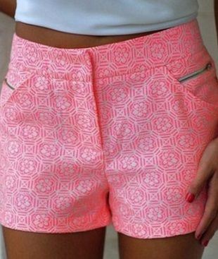 Cómo coser pantalones cortos