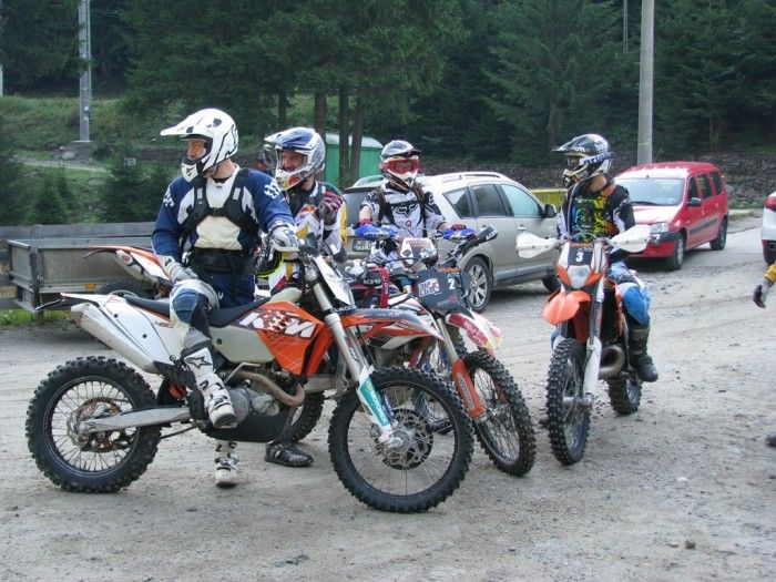 Great Training in the heart of #Romanian #Enduro country #Tours 7 #Training http://www.camping-arges.ro/ https://www.facebook.com/camping.arges