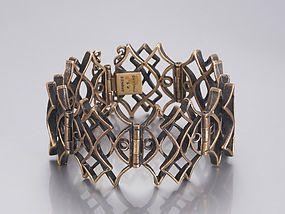 Pentti Sarpaneva, vintage bronze bracelet, with a structured and three dimensional design. #Finland | Trocadero