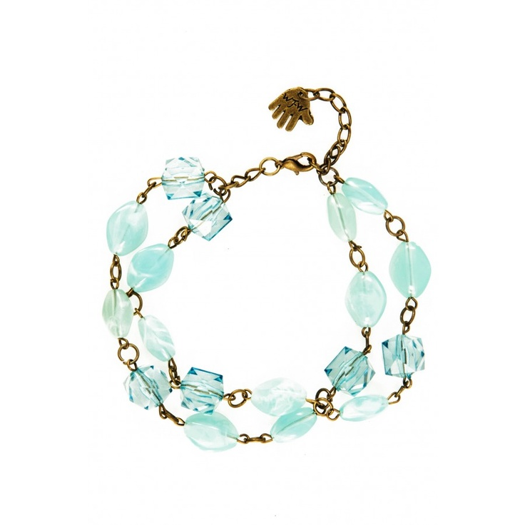 This chain bracelet will add a little sparkle to any outfit.
