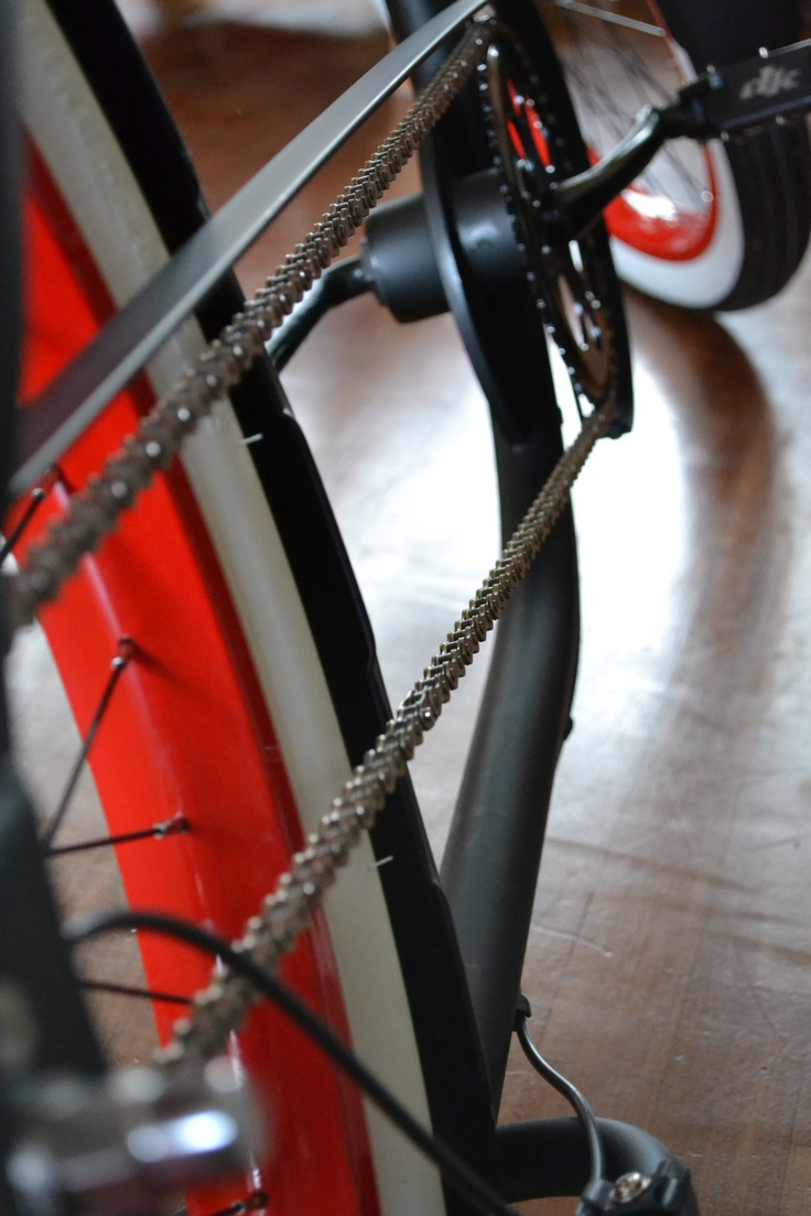 Lowrider bycicle chain by @Gert-jan Warrink NOTHING LKE A BASSMAN!!!!!!! Great bikes!!!! Great pic!!!!!