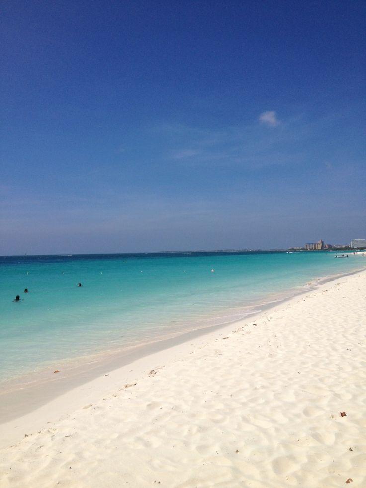 Perfect Beach: White powder sands of Aruba