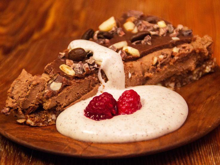 Angelinas kaffe- och chokladtårta med rostade nötter