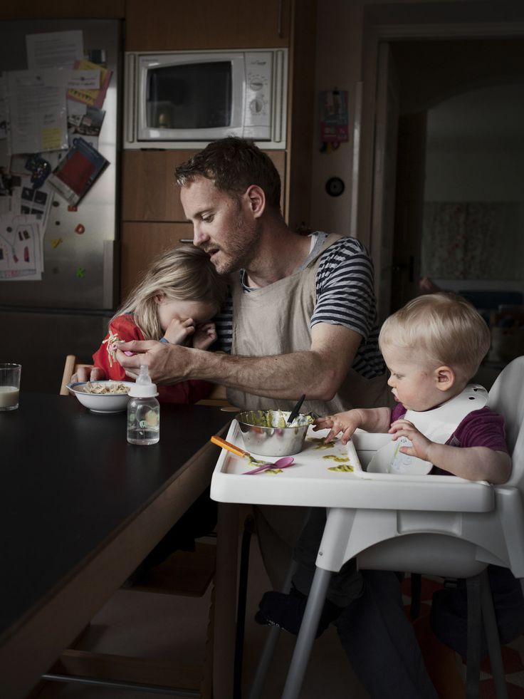 Photo project: Fathers on paternity leave. // Gorgeous.