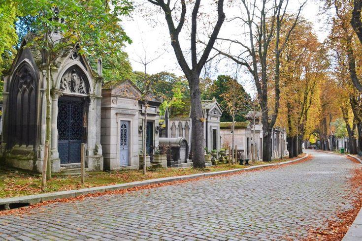 Il cimitero Pere Lachaise! Per scoprire Parigi al meglio visitate: http://moveforward.it/parigi-francia/ #cimiteroperelachaise #perelachaise viaggio travel blog guida weekend francia