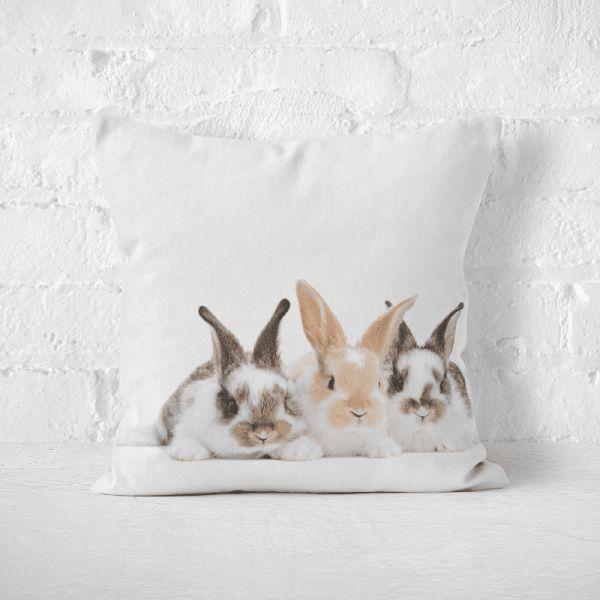 Poduszka ze słodkimi króliczkami