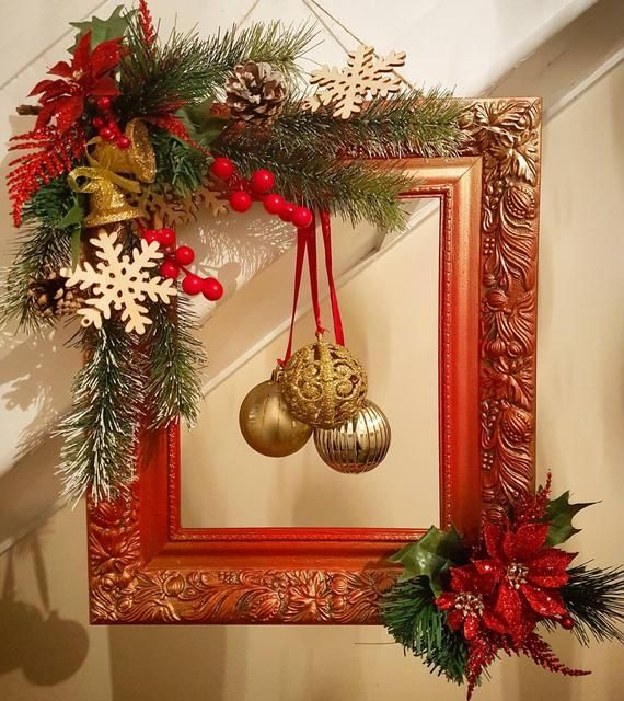 Red Frames 2020 Christmas Picture Frames Rustic Christmas Picture Frame Wreath, red frame wreath, primitive