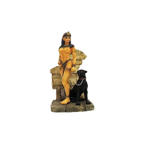 Kleopatra ve siyah panter. Kleopatra antik Mısır'ın son Hellenistik kraliçesidir.Dokuz dil bilen Kleopatra M.Ö. 69-30 yılları arasında yaşamıştır.Biblo fiya