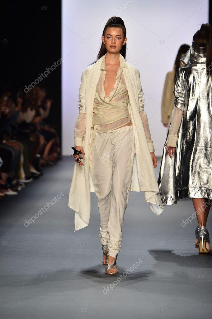 Nicholas K Spring 2017 New York Fashion Week Fashion Show Stock Photo Spon York Fashion Nicholas Sp New York Fashion Week Fashion New York Fashion