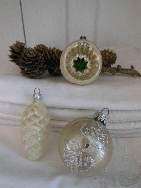 3er Set sehr alte Christbaumkugeln Formteile von Petite Maison auf DaWanda.com