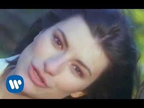 Laura Pausini - La Solitudine (Official Video) - YouTube