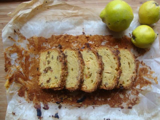 Bolo de Marmelo e Especiarias com Crumble