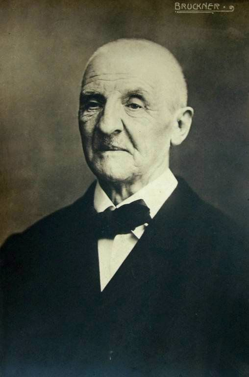 #4sep1824 nace en #Ansfelden #Anton_Bruckner, compositor y organista austriaco    http://es.wikipedia.org/wiki/Anton_Bruckner
