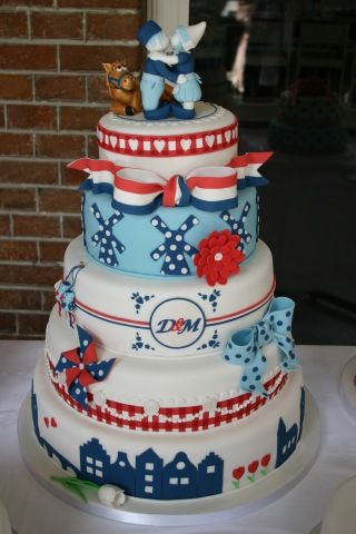 Holland Themed Wedding Cake --- Totally on my list of things to tell Nora about when I see her next. Hahaha. This is amazing!
