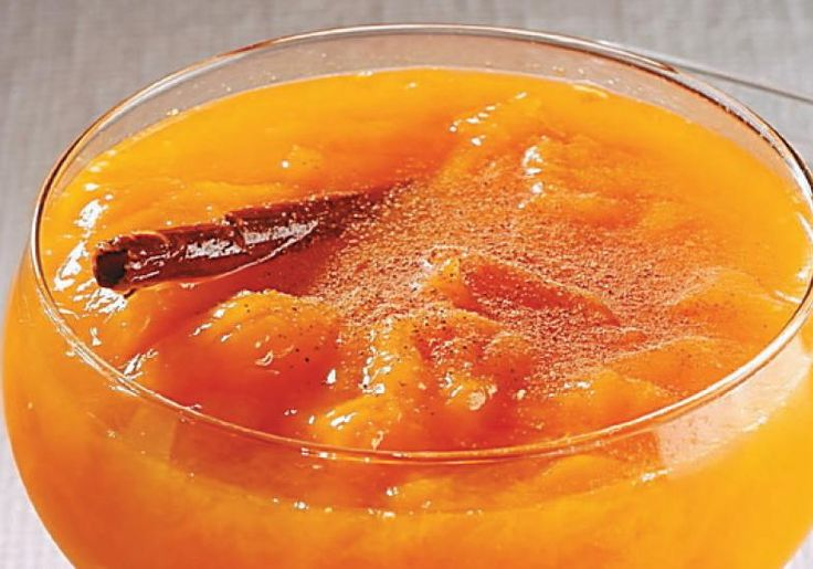 Uma boa forma de aliar a fruta com a especiaria é a receita de Compota de manga com canela