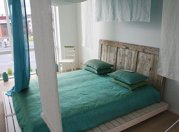 Bed On Floor, Repurposed Wood Headboard, Rustic Platform, And Minimalist Bed  Hangings.