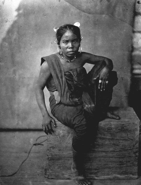 Indonesia, Sumatra ~ Batak woman Indonesia ca 1850