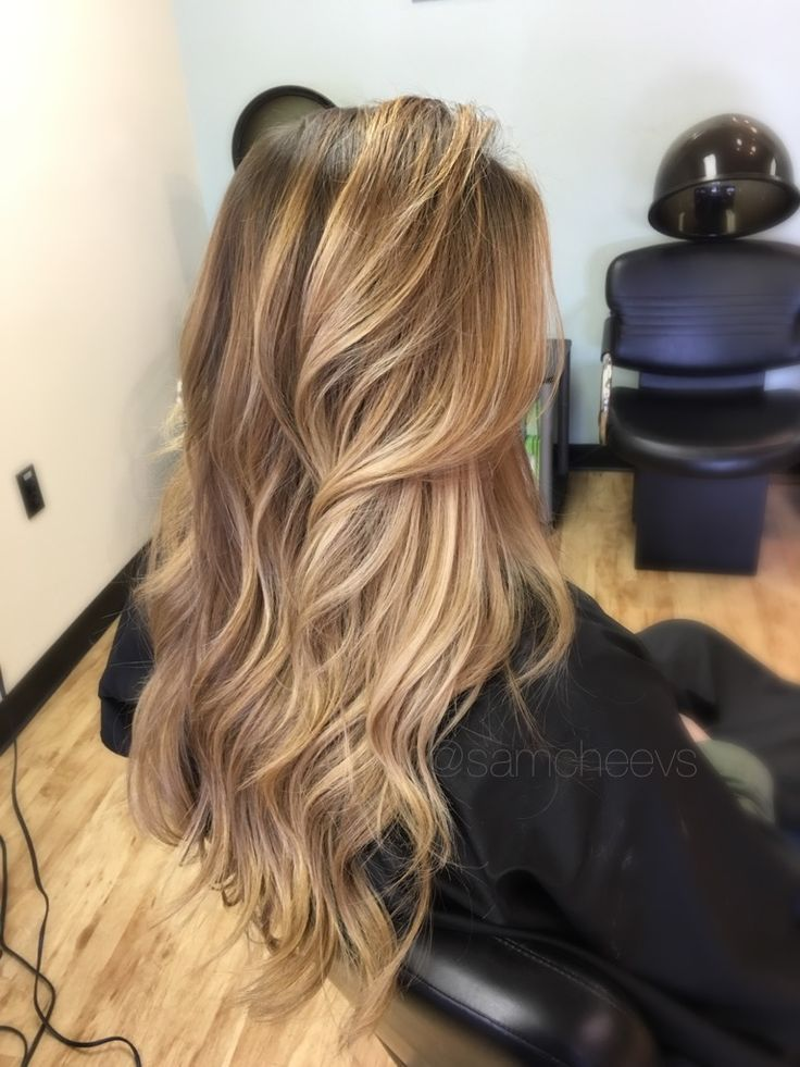 Dark roots with sun-kissed honey, platinum, warm, pearl-blond balayage ombre // Highlights for brown hair