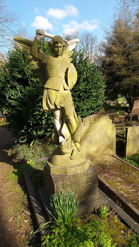 highgate cemetery young warrior angel gravestone: http://www.europealacarte.co.uk/blog/2016/11/10/photo-tour-of-highgate-cemetery-london/
