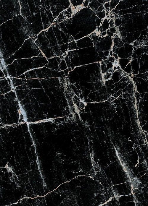 Black marble, so chic.