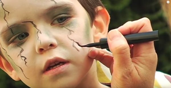 DIY zombie makeup for your little zombie