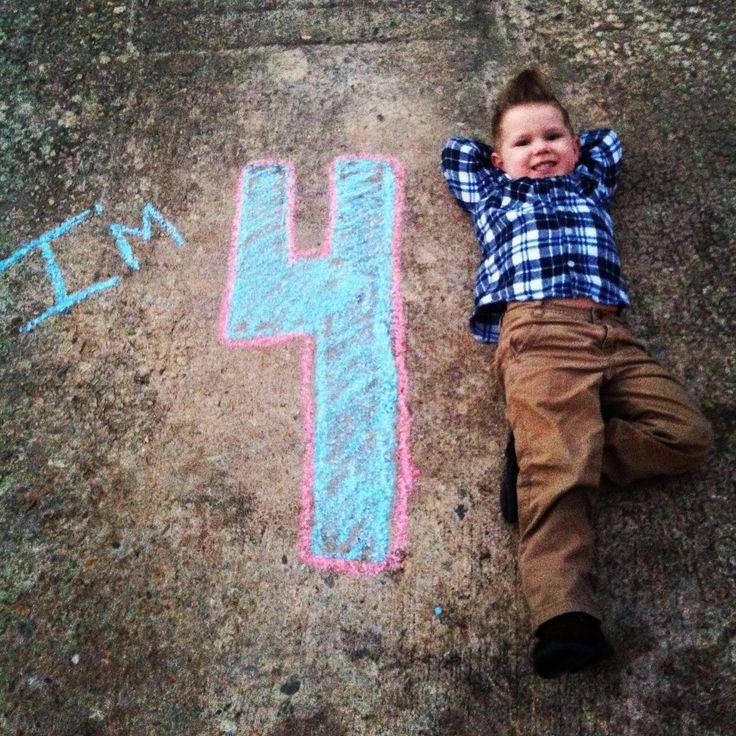Birthday Boy! Write the age with chalk and pose your little boy or girl beside it. Creative for sure !